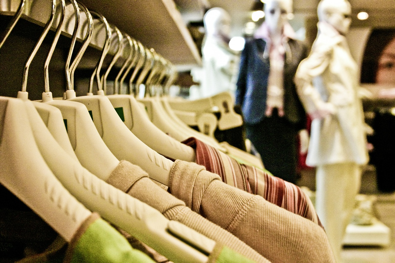 Wholesale clothes, apparel and fashion stocklots - Clothing
